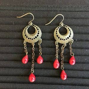 Jewelry - ❄ Gold earrings with red beads